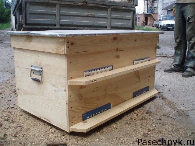 содержание пчелосемей в ульях лежаках
