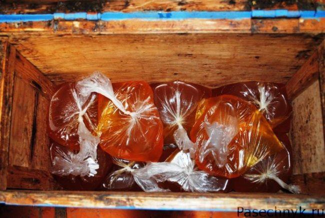 пакеты с сахарным сиропом