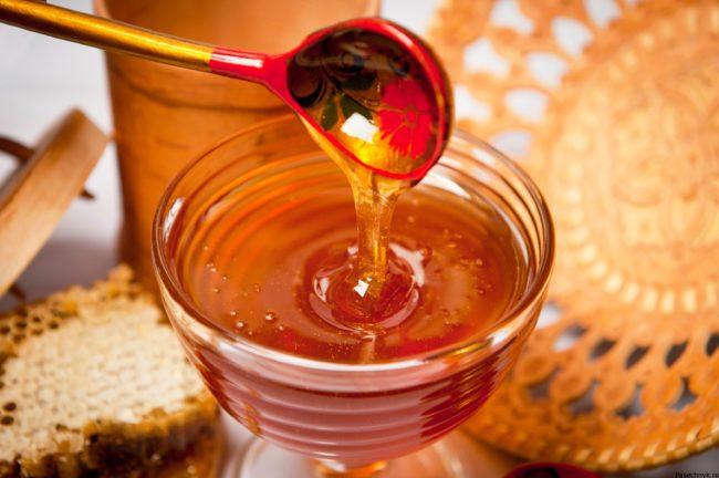 мед и ложка
