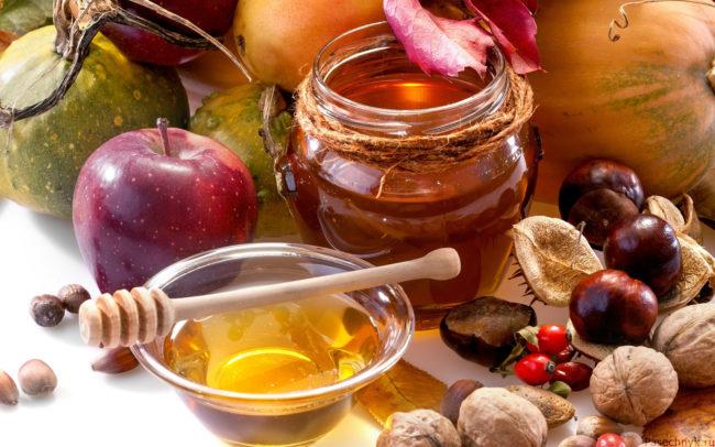фрукты с медом